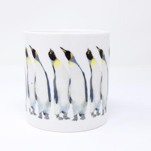 King penguin couple leaning in harmony mug
