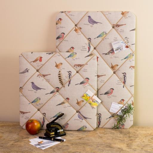 Noticeboard, memo board with garden bird design