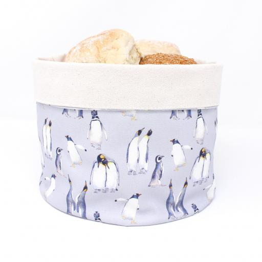 Bread warmer - Penguin parade pattern