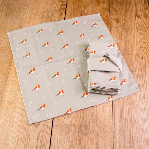 Set of four Robin & Mistletoe napkins