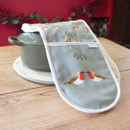 Robin & Mistletoe Oven Gloves